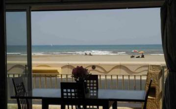 Carolyn's Beach House, conservatory, patio, sea view, sight, romantic, walk, beach, Languedoc, rental, holiday, Narbonne-Plage, villa