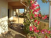 Michele's beachhouse apartment Portiragnes-Plage languedoc holiday rental visit property terrace BBQ lounge