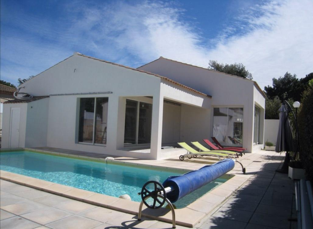 Modern 3 bedroom family holiday villa with private pool, Cap dAgde  (AGD108)