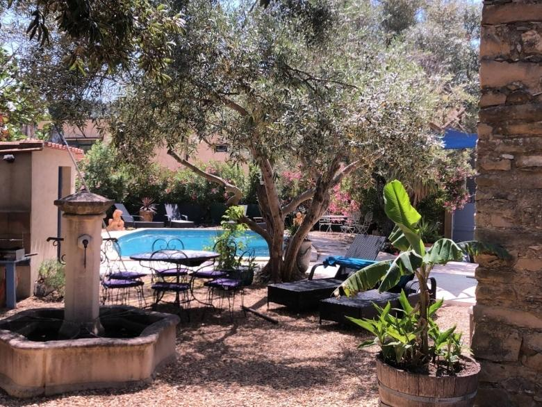 Wonderful 4 bedroom holiday villa with private pool amidst vineyards and nature (AGEL103)