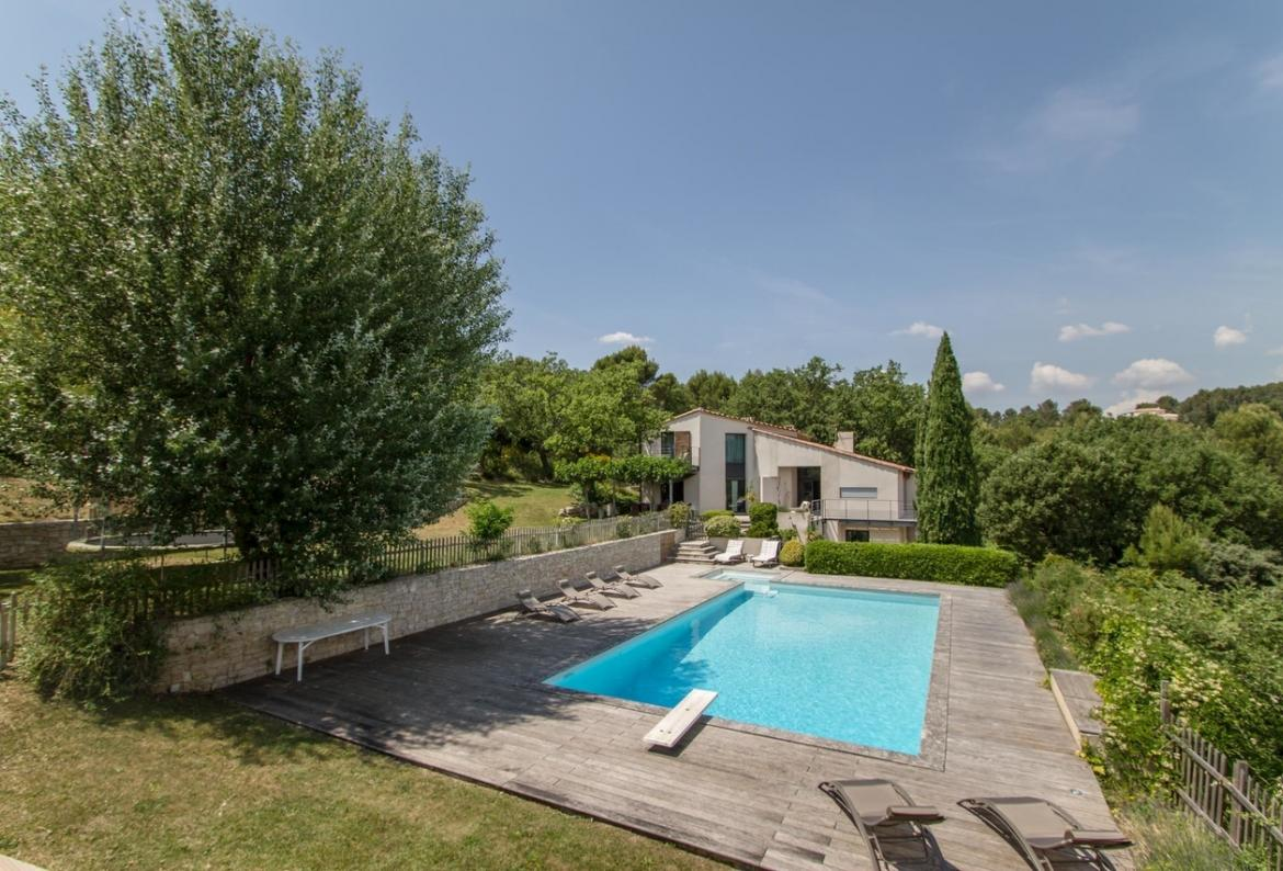 6 bedroom holiday rental villa with pool in south of france
