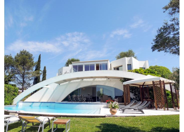Les Arches Is A Spectacular, Modern Holiday Villa With Private Pool Just  Outside Popular Antibes. This Quirky, Futuristic Villa Is Built Up On And  Around ...