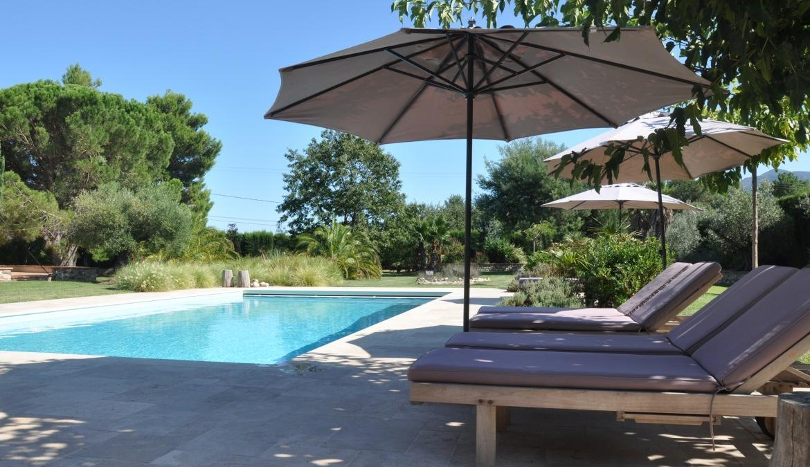 Luxury 5 bedroom holiday villa with private heated pool and aircon near Argeles sur Mer (ARG113)