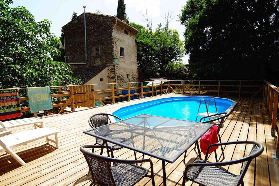 A peaceful and rustic 2 bedroom gite in a former stone-built olive mill, sleeps 4 (AUT103)
