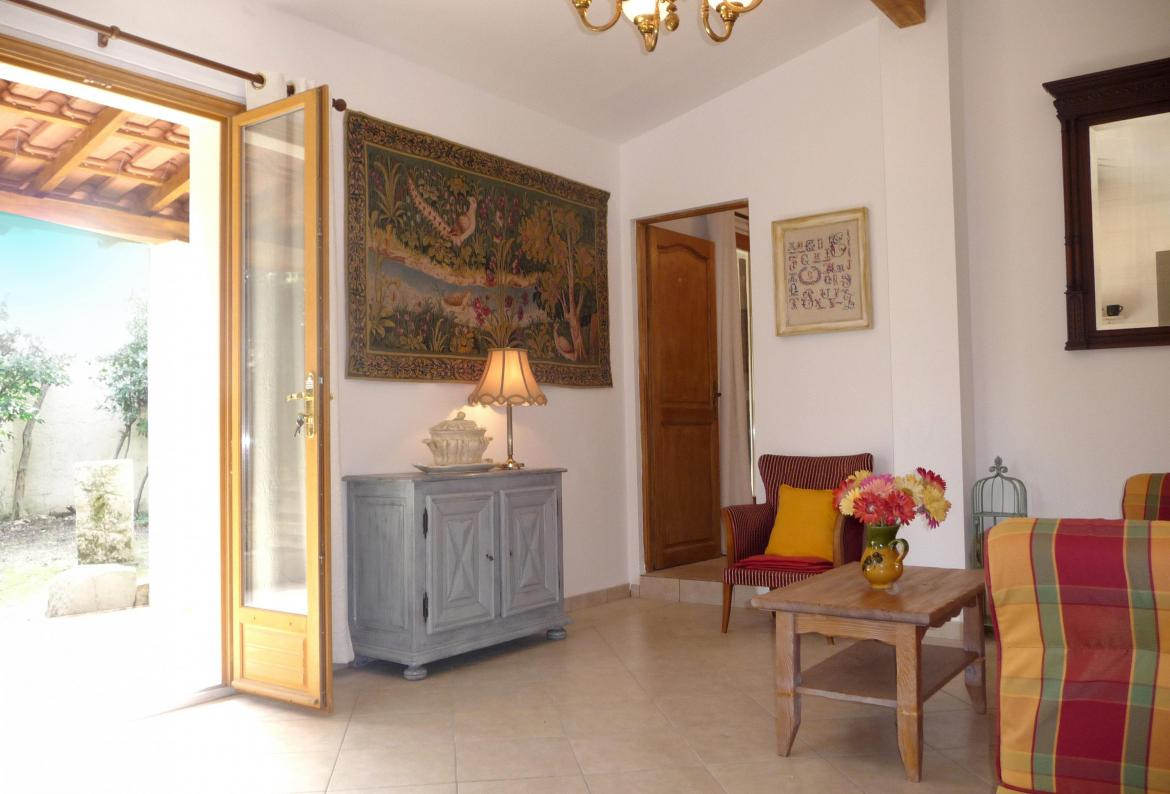 6 bedroom holiday rental villa with Pool in Beaucaire