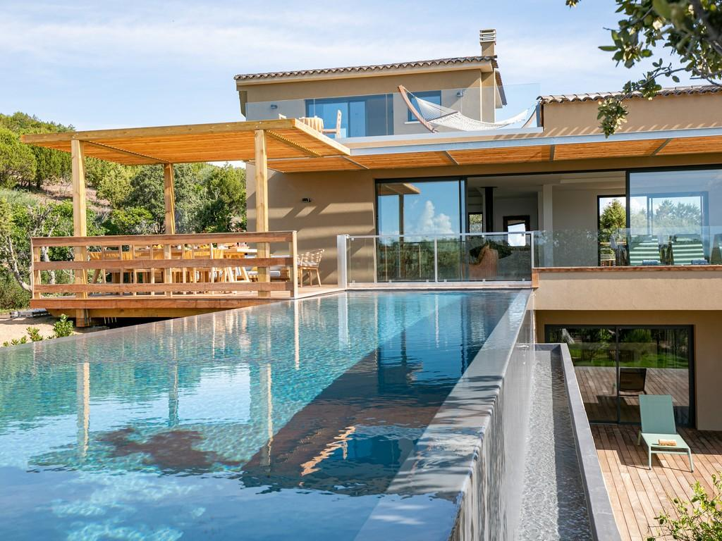 Luxury Villa with Unique Suspended Pool. 6 Bedrooms to sleep 12 (BONIF102NP)
