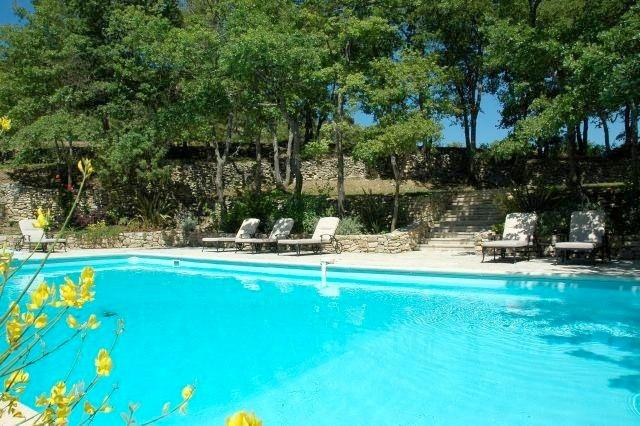 BONN101 - Luxury 4 Bedoom House with private swimming pool and tennis court