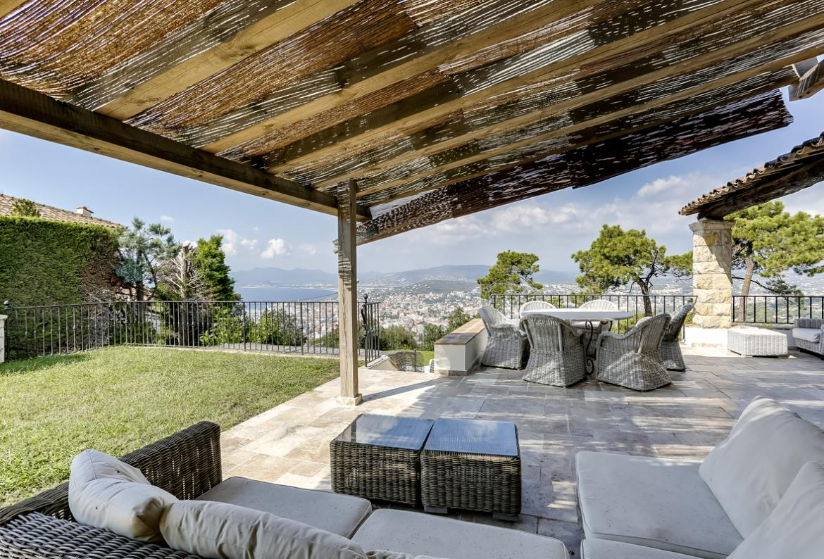 Spectacular holiday mansion with pool in Cannes, 5 grand bedrooms (CANN121SB)