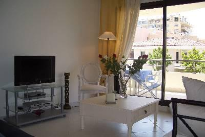 Beach apartment with 3 bedrooms and 3 bathrooms in Cannes. Sleeps 7. (CANN123)