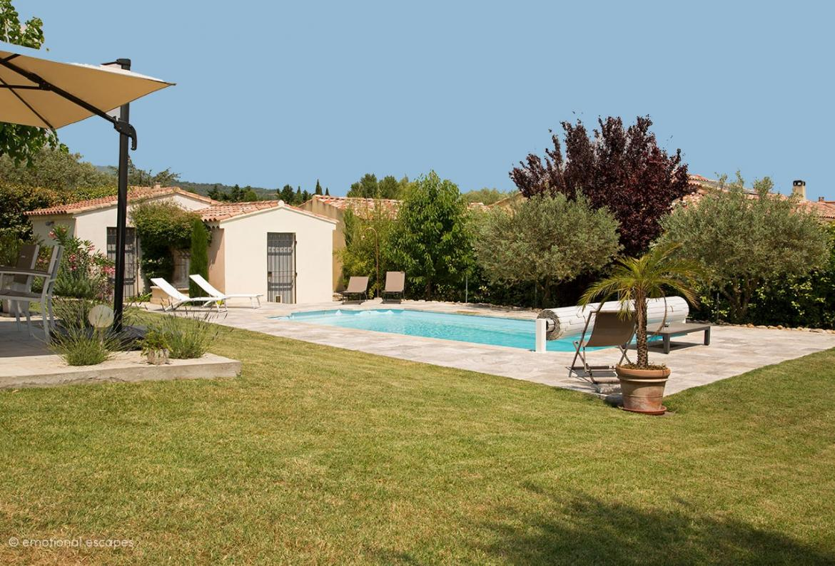 Quaint 3 bedroom holiday villa located in a quiet residential area of Caromb in the Provence, with private pool. Sleeps 6. (CARO102EE)