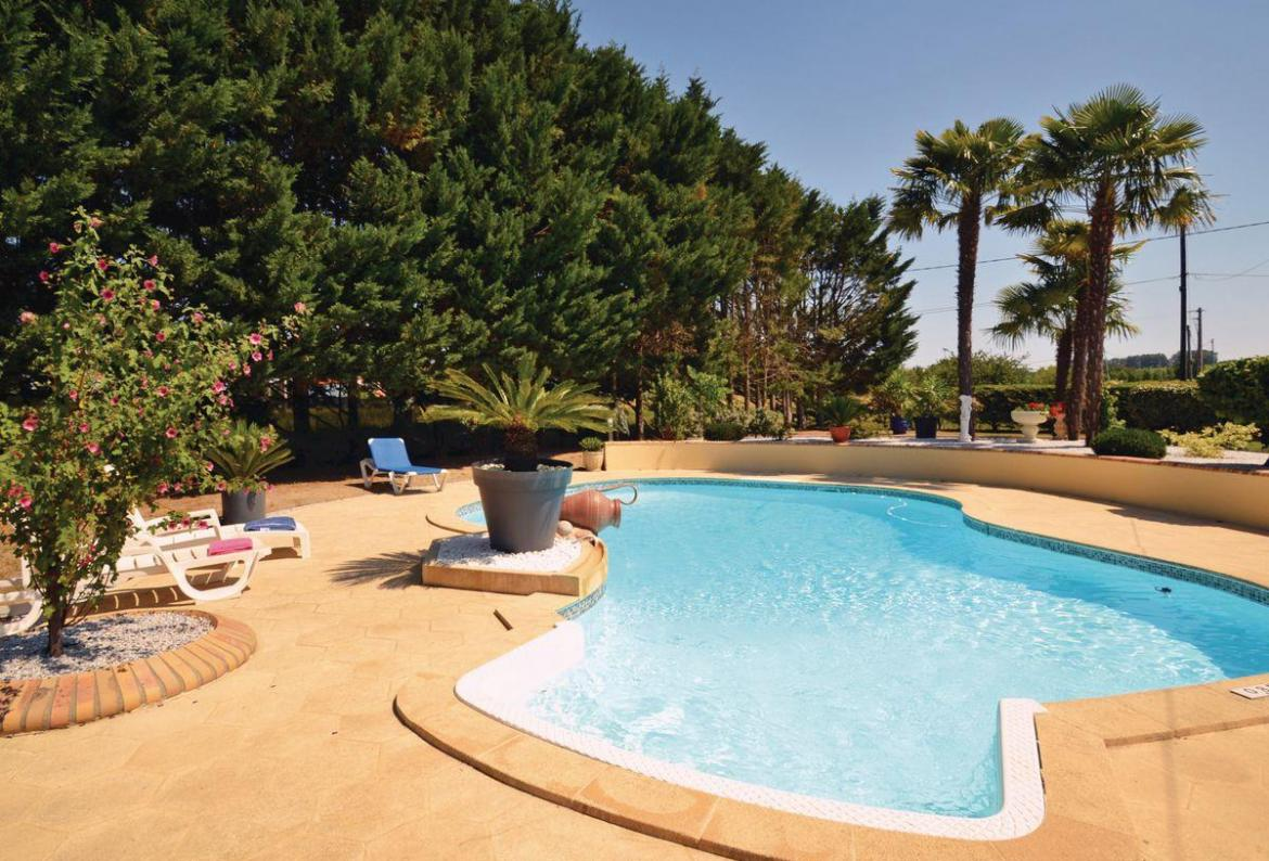 ... Dordogne And Lot, Ideal For A Family Holiday, This Self Catering Home  Offers A Wonderful Private Pool Area With Sun Loungers And Has Everything  To Make ...