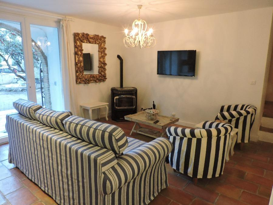 Village House with Garden in La Garde Freinet. 2 bedrooms, sleeps 4 (LGF108D)