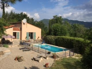 Villa with private, secure swimming pool. Sleeps 9, 3 bedrooms (LODE101)