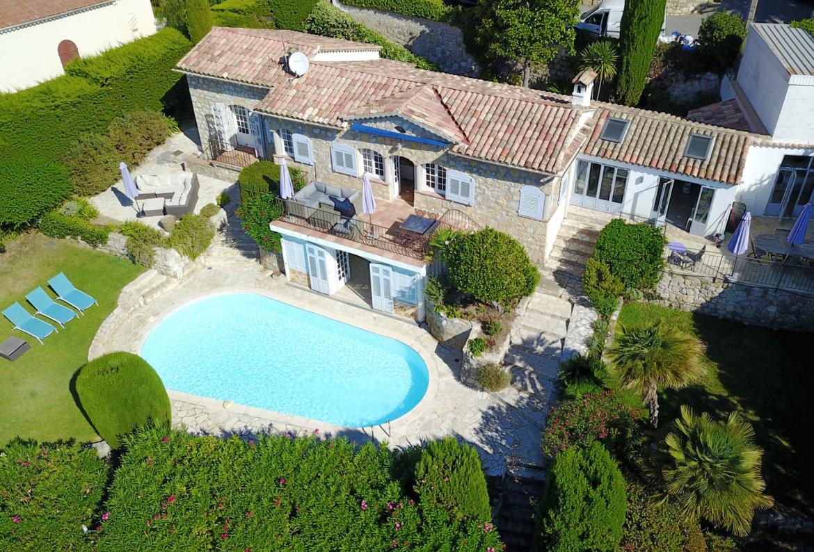 4 bedroom holiday rental villa with Pool in Grasse