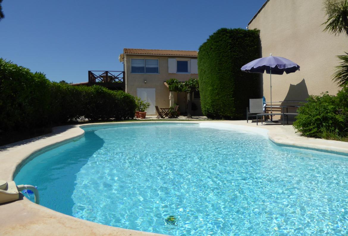 1 Bedroom Holiday Rental Villa With Pool In Marseillan