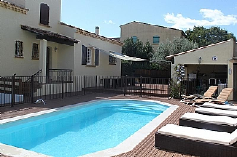7 Bedroom Holiday Rental Villa With Pool In Marseillan
