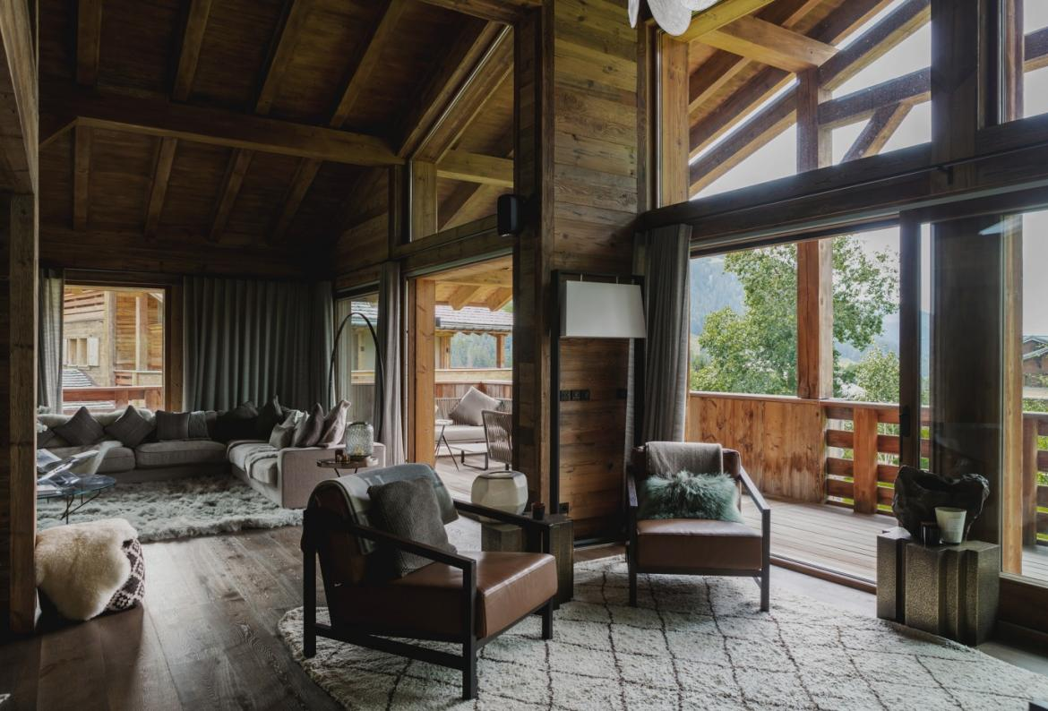 Luxury Fully Catered Ski Chalet. Heated Pool and Sauna. 6 Bedrooms to sleep 12 (MEG102HR)
