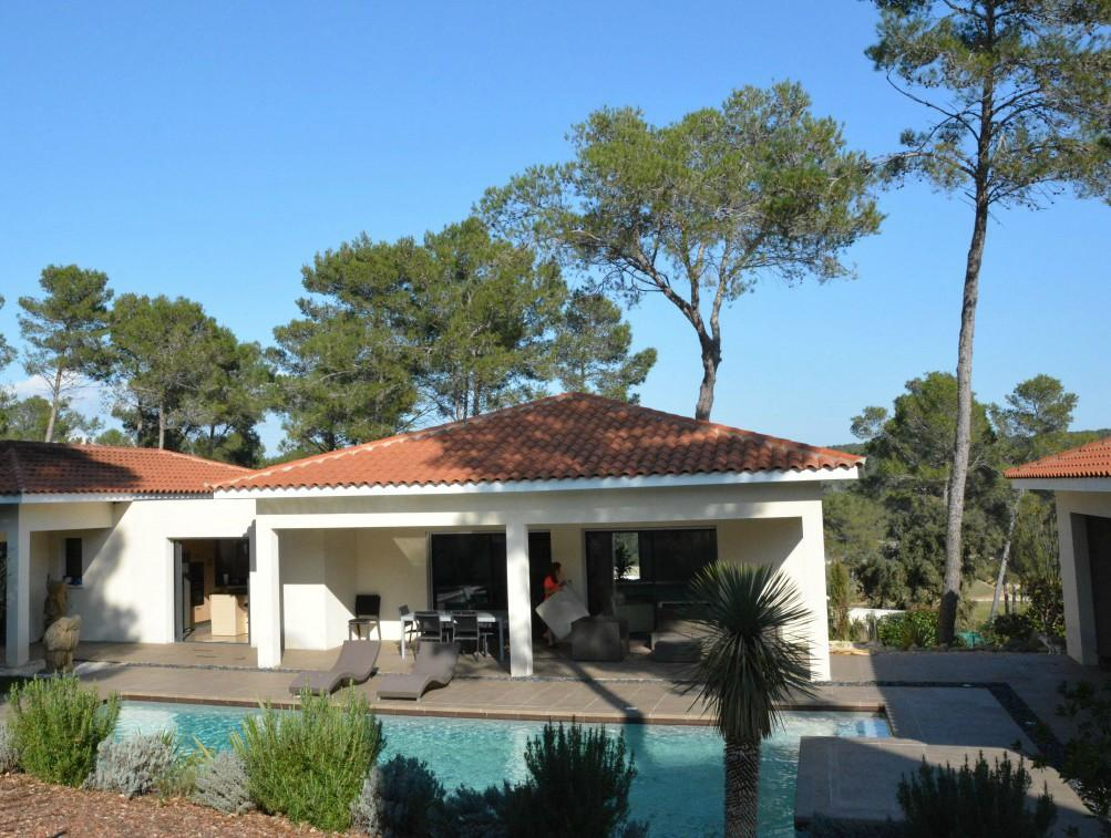 MONT106 - Luxury Contemporary Villa with Pool, Montpellier. Sleeps 6-7, 4 bedrooms