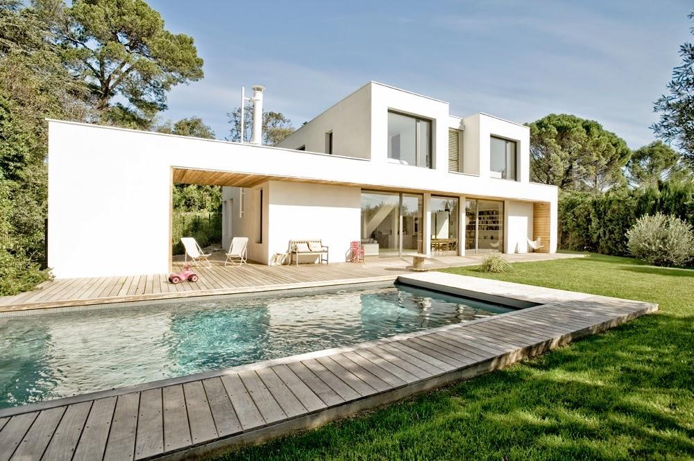 MONT114 - A stunning architect-designed villa with pool located in residential north Montpellier