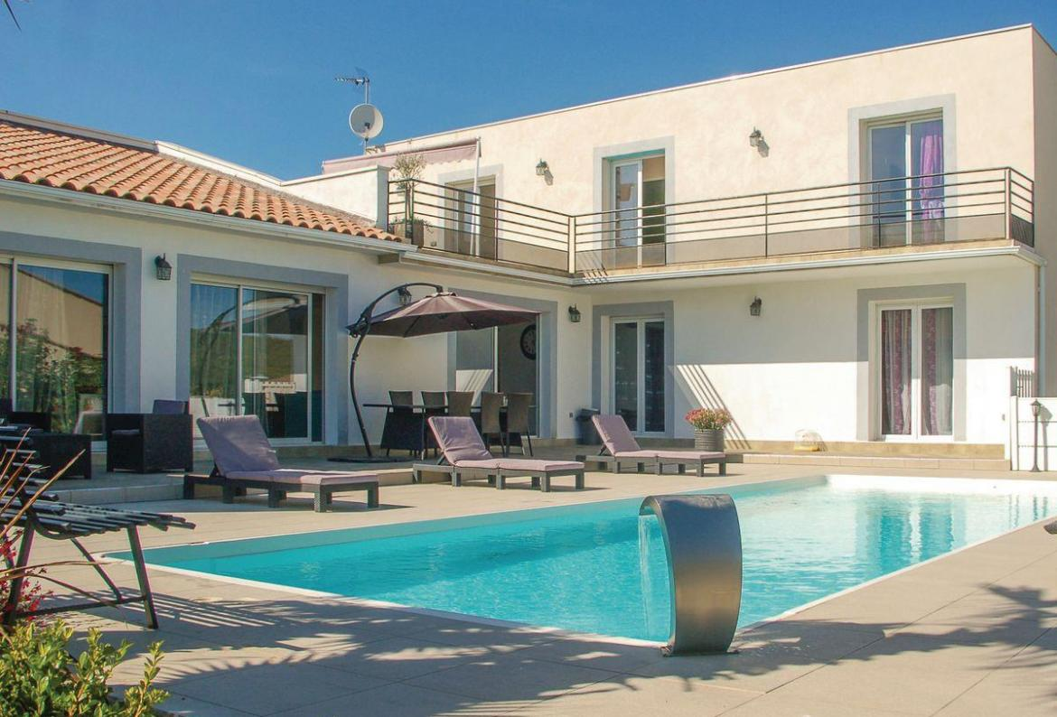 Beautiful 4 Bedroom Holiday Home To Comfortably Sleep Up To 9 Near  Montpellier, Languedoc Roussillon, Ideal For A Family Holiday, This Self  Catering Home ...