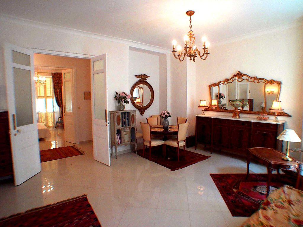 Beautiful belle epoque apartment located on the 2nd floor in a wonderful area of Nice. With 2 bedrooms 1 bathroom, this apartment sleeps up to 6. (NICE103)