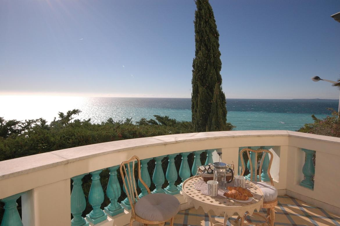 NICE120Q - Stunning Mediterranean villa located in Nice with stunning views, a private swimming pool and three bedrooms, sleeps 6.