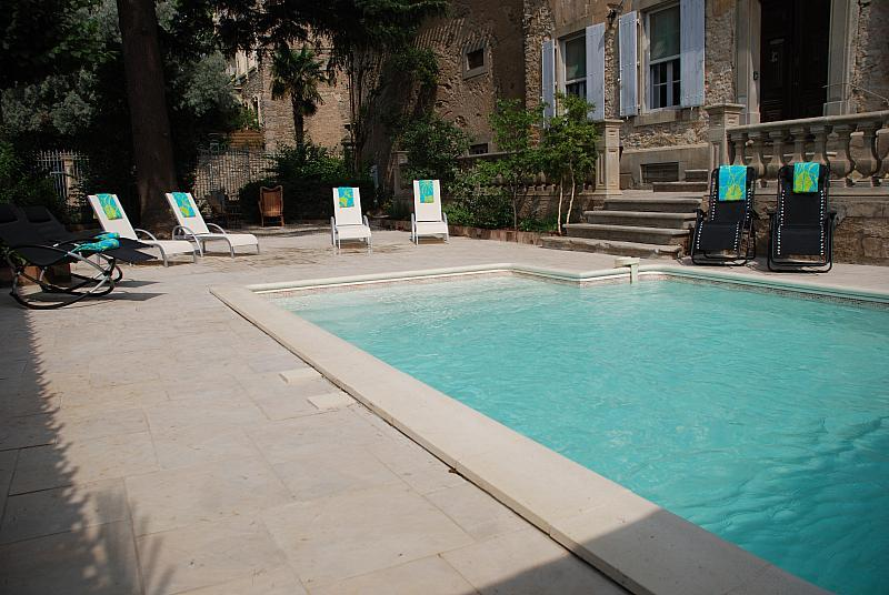 PEP102 - Traditional French manor with private heated swimming pool - sleeps 12.