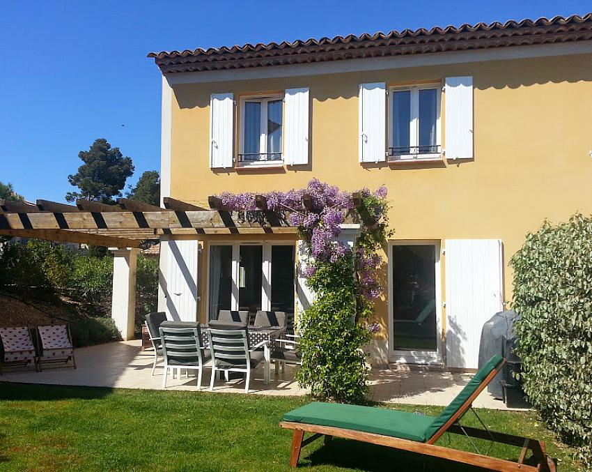 Peaceful villa with shared swimming pools - sleeps 6 (PONT101)