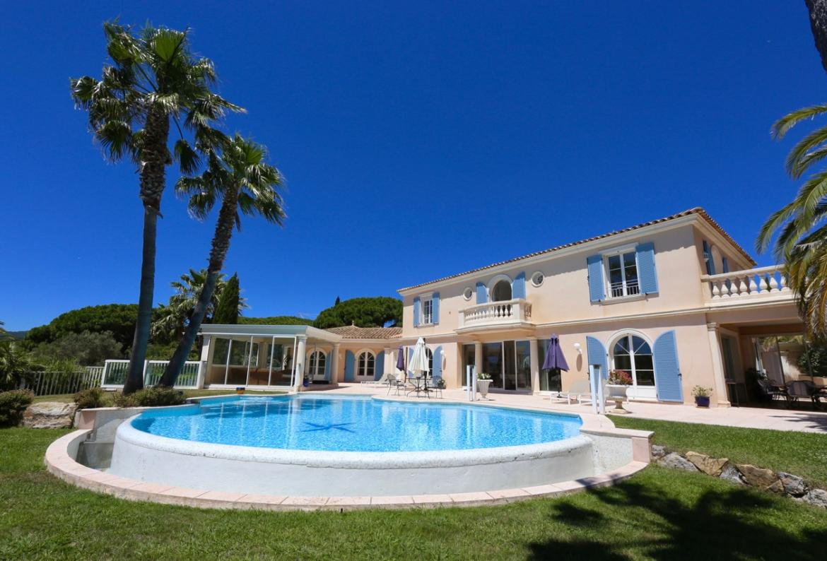 Spacious and stylish 5 bedroom villa, beautiful private pool. Sleeps 10 plus staff (RAM124HR)