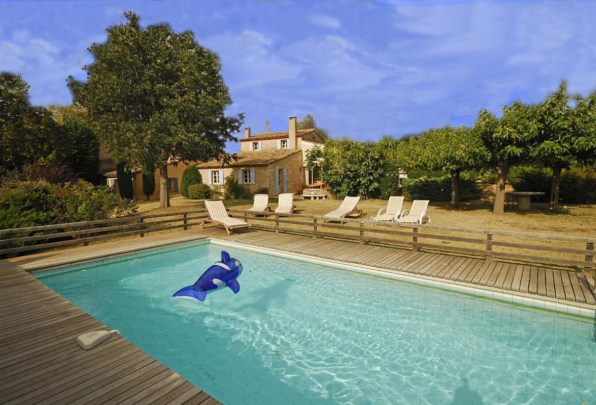SAIG102Q - Villa Provence Rose is a luxurious old 18th century farmhouse, Saignon, Luberon National Park, Provence - Sleeps 10