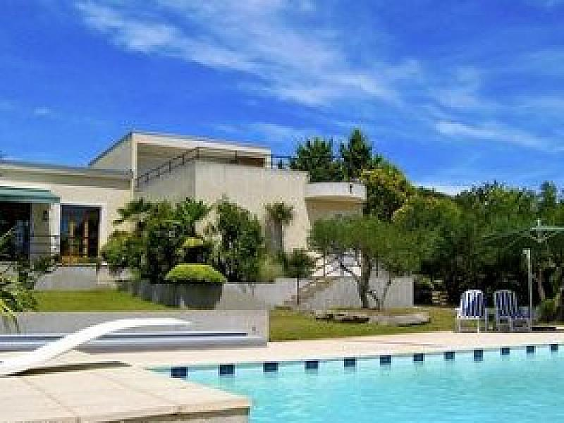 Sleeps Up To 8 People With Additional Sofa Beds In The Lounge. Located On A  Hill Above Sommieres And Provides Incredible Views Of The Local South Of  France ...