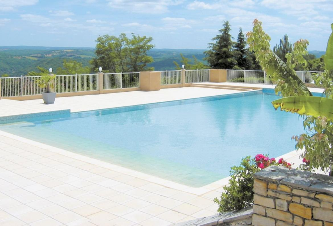 3 bedroom holiday home to sleep 6 near souillac dordogne and lot (SOUIFML054)