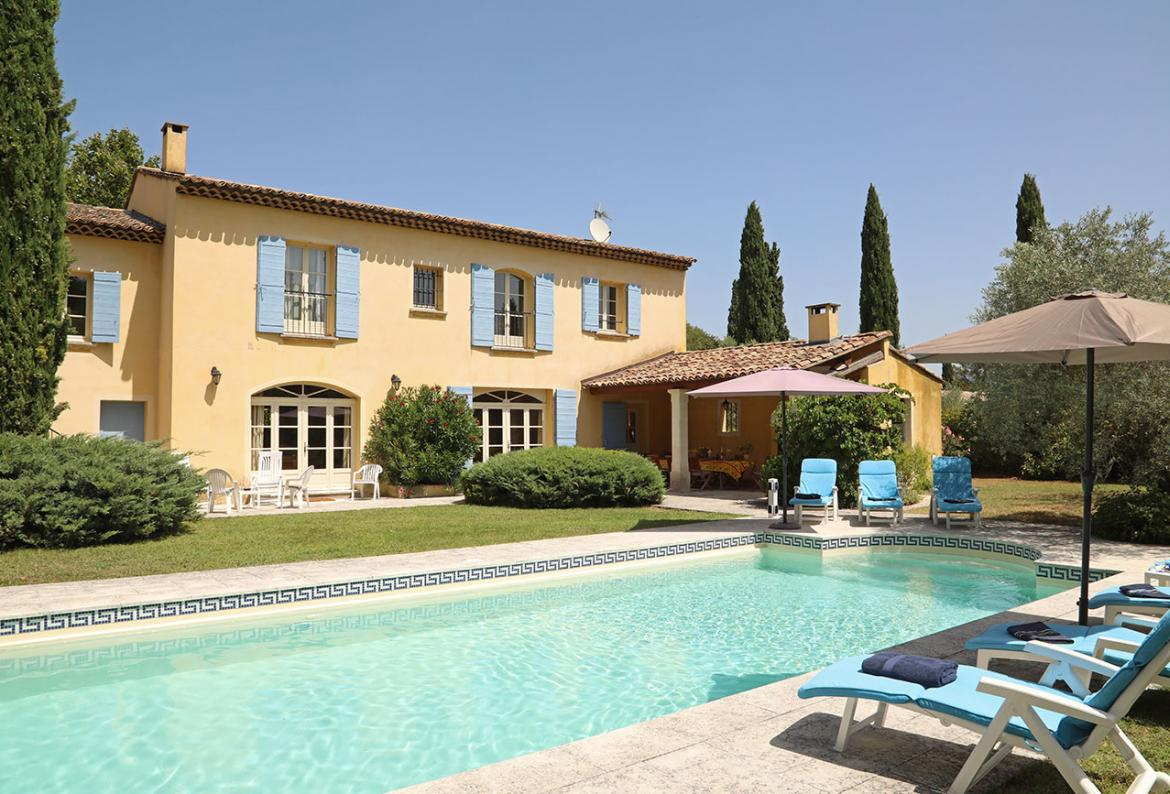 Luxury 4 bed Provencal country house with private pool in St Remy de Provence (SRDP125EE)