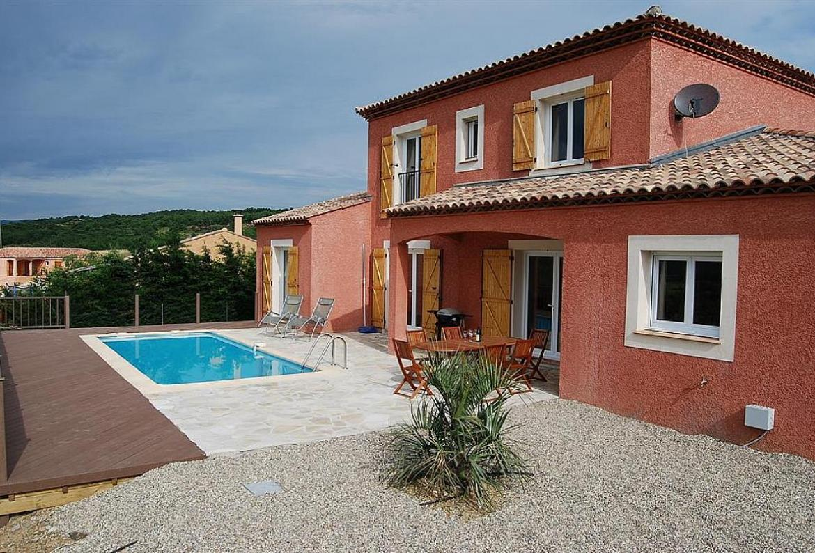 Family villa with 4 bedrooms, a private solar-heated swimming pool, internet and aircon. Sleeps up to 10 people. (STJE101)