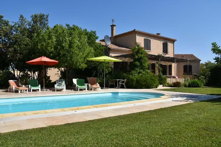 Great family villa with private pool, close to sandy beaches. 5 bedrooms and 2 bathrooms to sleep 10 (VEND101)