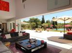 Luxury holiday villa near Aix en Provence with 6 bedrooms, 2 private pools, a home cinema, a hammam and sauna, sleeps 12. (AIX125EE)