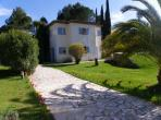 Beautiful, bright and spacious villa located in Auribeau-sur-Siagne, private pool, sleeps 8. (ASS101)