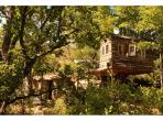 Breathtaking Mountain Retreat with Superb Heated Infinity Pool, sleeps 2. (BED103)