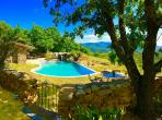 Breathtaking Mountain Retreat with Superb Heated Infinity Pool, sleeps 4-6 (BED104)