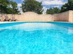 BEZ121 - Beautiful and dainty gite with 1 bedroom, a large garden and a shared swimming pool, located near Beziers, and only 20 minutes from beaches. Sleeps 2.