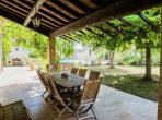 Beautiful traditional country house, complete with a private swimming pool, 5 bedrooms and a large garden. Sleeps 10. (CAMP101)