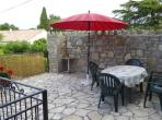 Spacious apartment with shared swimming pool, sleeps 7 (CANA103)