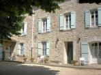 Provencal farmhouse with private pool and grounds, sleeps 12 (CAVI102)