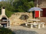 Vineyard House. Cruzy. Languedoc. Property. Holiday. Outside, BBQ.