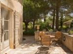 Luxury 5 bed Provencal Mas with private pool in Eygalieres (EYGA123EE)