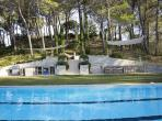 Luxury Villa with Extra-large Pool and Tennis Court near Lagrasse. Sleeps 12, 6 bedrooms (LAGR103)