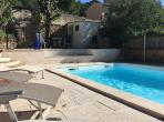 House with large garden and terrace with swimming pool. Sleeps 12-16. (LAUR104)