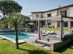 Modern Villa in La Croix Valmer with Heated Pool and Jacuzzi. 5 bedrooms, sleeps 10 (LCV107PS)