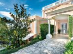 Grand Luxury Villa on Cap dAil near Monaco. 7 bedrooms to sleep 14. (MONA104PV)