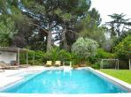 Architect-designed villa with private pool in Montpellier, near beach, sleeps 9. (MONT105GN)